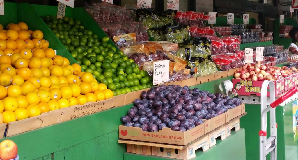 Fruit stand at the Broadway Farm